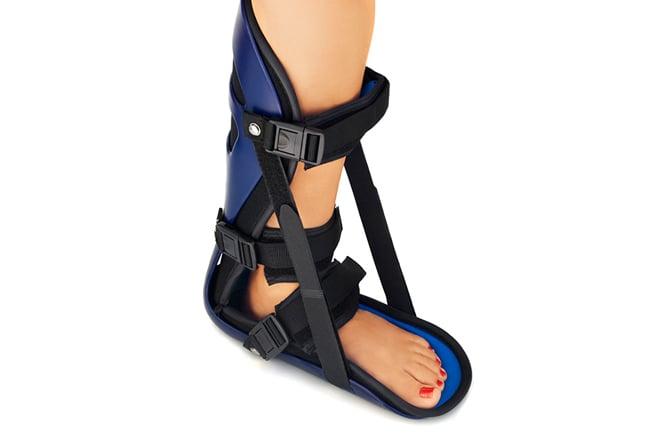 Night splint for plantar fasciitis and heel pain